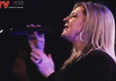 Worthy Is The Lamb(Cry Out For You) – Darlene Zschech